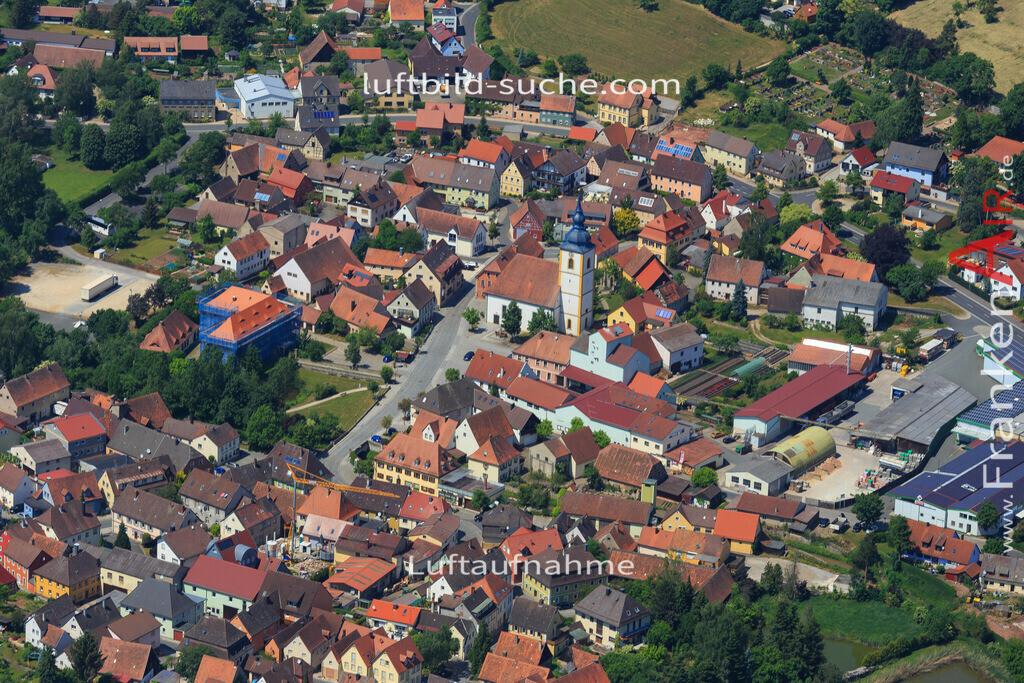 burghaslach-2015-1592 | Luftbild von  Burghaslach - Luftaufnahme wurde 2015 von https://frankenair.de mittels Flugzeug (keine Drohne) erstellt - die Geschenkidee