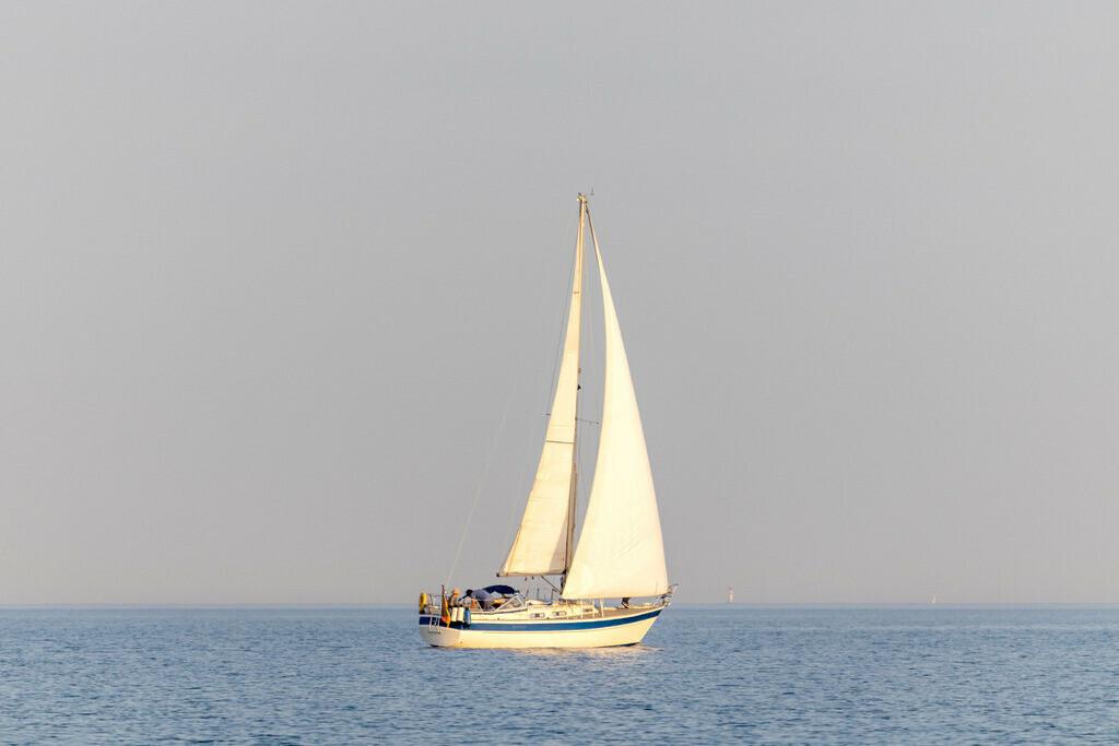 Segelboot auf der Ostsee   Segelboot am Abend