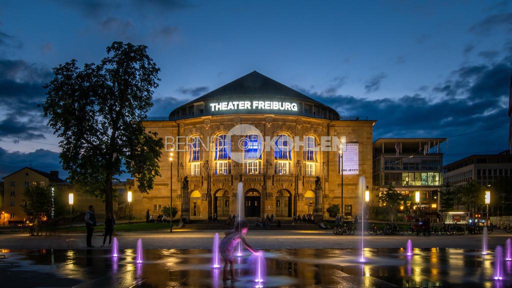Theater Freiburg | Freiburger Stadttheater, Platz der alten Synagoge - Abendstimmung