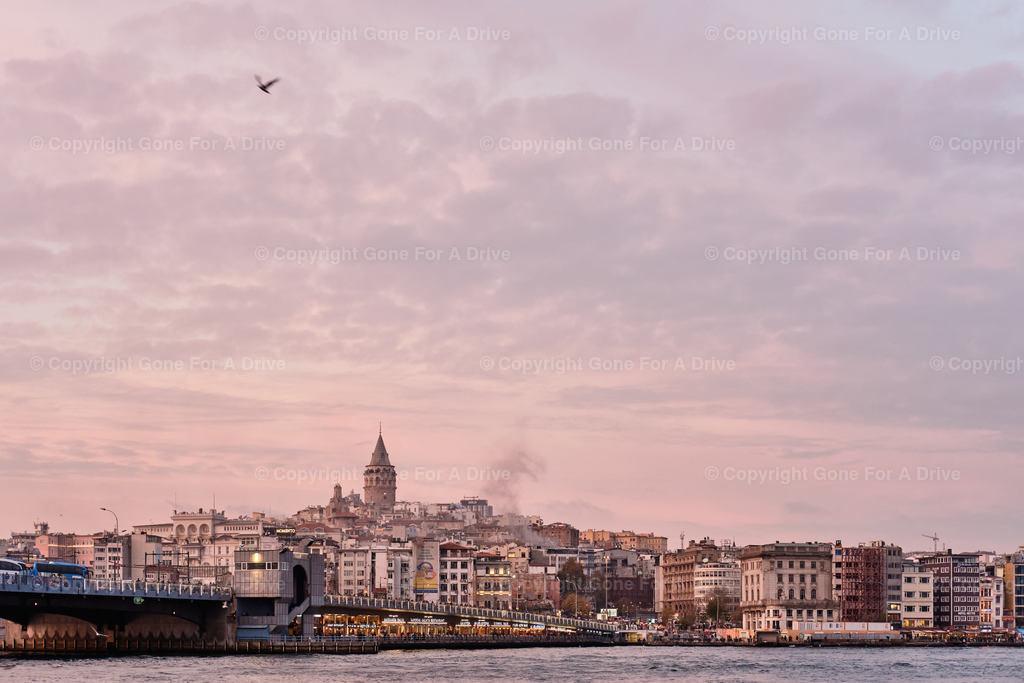 Türkei | Istanbul, Blick auf die Galata Brücke und den Galata Bezirk