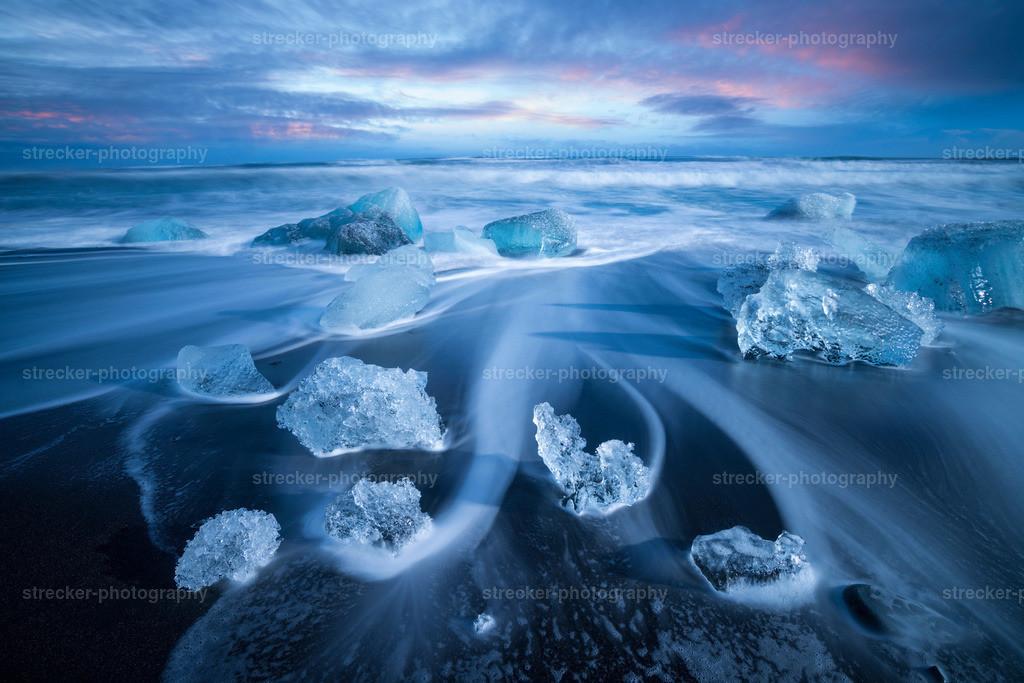 Joekulsarlon Icebreakers | Eisbrocken am Strand