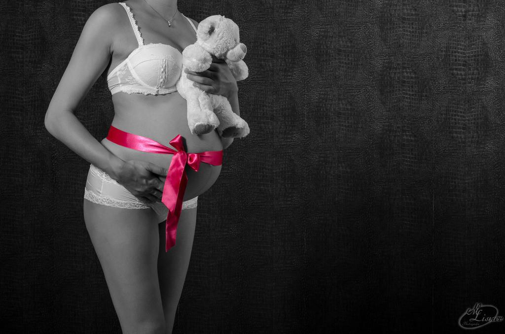 Alexandra | Babybauch Studioshooting