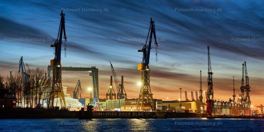 10190805 - Dock Elbe 17 bei Nacht | Blick auf das Dock Elbe 17 im Hamburger Hafen.