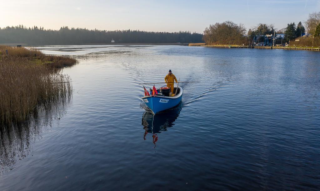 Matthias Nanz – ein Fischer an der Schlei © Holger Rüdel | Matthias Nanz aus Schleswig ist einer der letzten Berufsfischer an der Schlei. Mit seinem Boot fährt Matthias Nanz vom Liegeplatz in Missunde zu den Fanggründen in der Schlei.