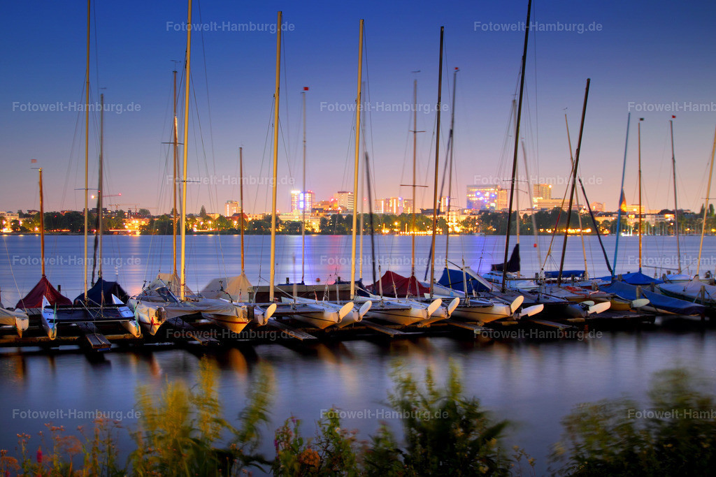 11427824 - Abendlicht   Segelboote an der Aussenalster am Abend