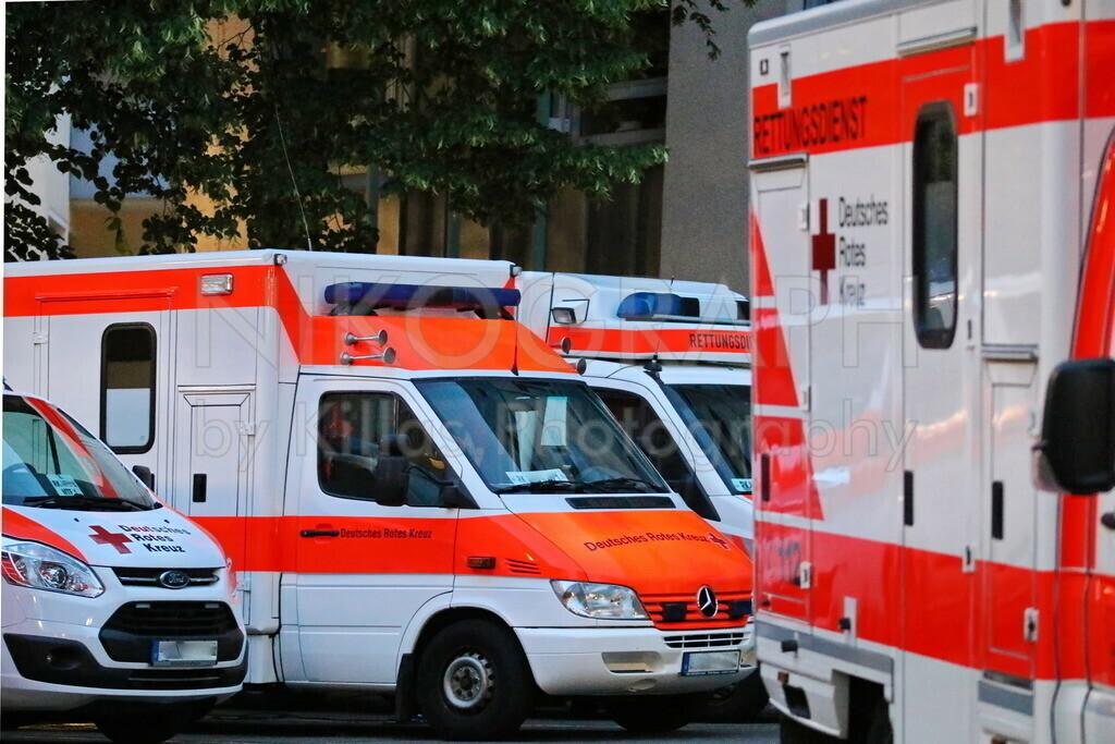 Rettungsmittelhalteplatz | Diverse Rettungsfahrzeuge am Rettungsmittelhalteplatz.