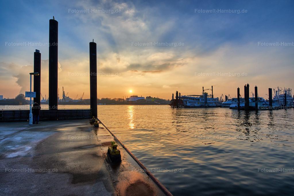 Sonnenuntergang im Niederhafen