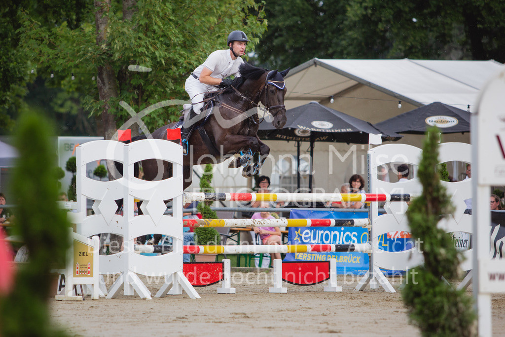 200821_Delbrück_Youngster-M-614   Delbrück Masters 2020 Springprüfung Kl. M* Youngster Springen 6-8jährige Pferde