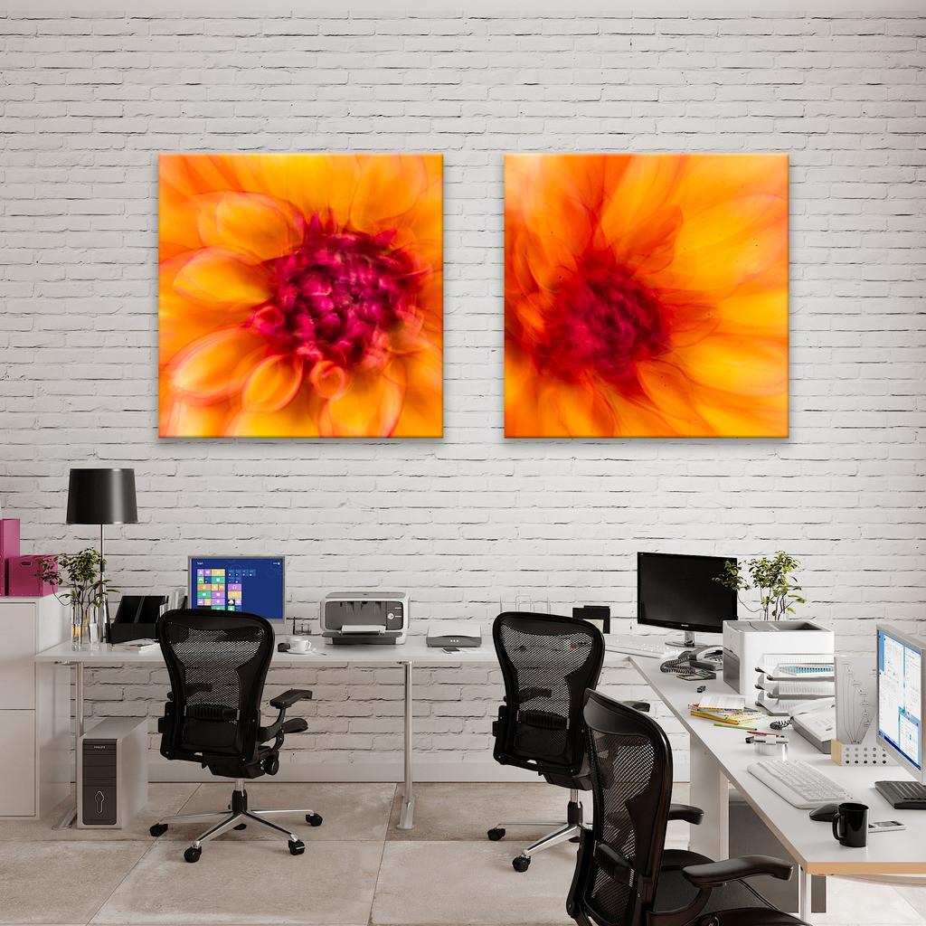 Abstrakte Dahlienblüten für einen Coworking Space   Anwendungsbeispiel für eine Wanddekoration in einem Großraumbüro oder einem Coworking Space. Sie finden das Motiv in der Galerie Nimm drei - Pflanzen abstrakt