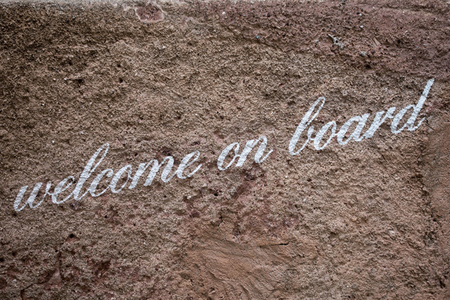 Kastelruth Hauswand Schriftzug welcome on board | ITA, Italien, Südtirol, Kastelruth, 14.07.2014, Hauswand Schriftzug welcome on board