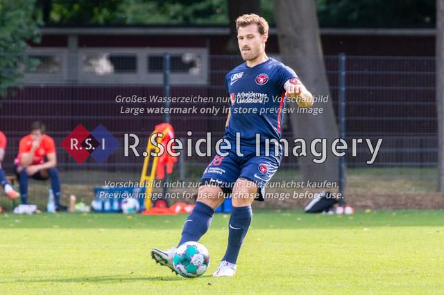 Fußball, Herren, Testspiel, Hamburger SV - FC Midtjylland, HSV-Trainingsplatz am Volksparkstadion, 20.08.2020 | Erik Sviatchenko (#28, Midtjylland, Innenverteidiger)