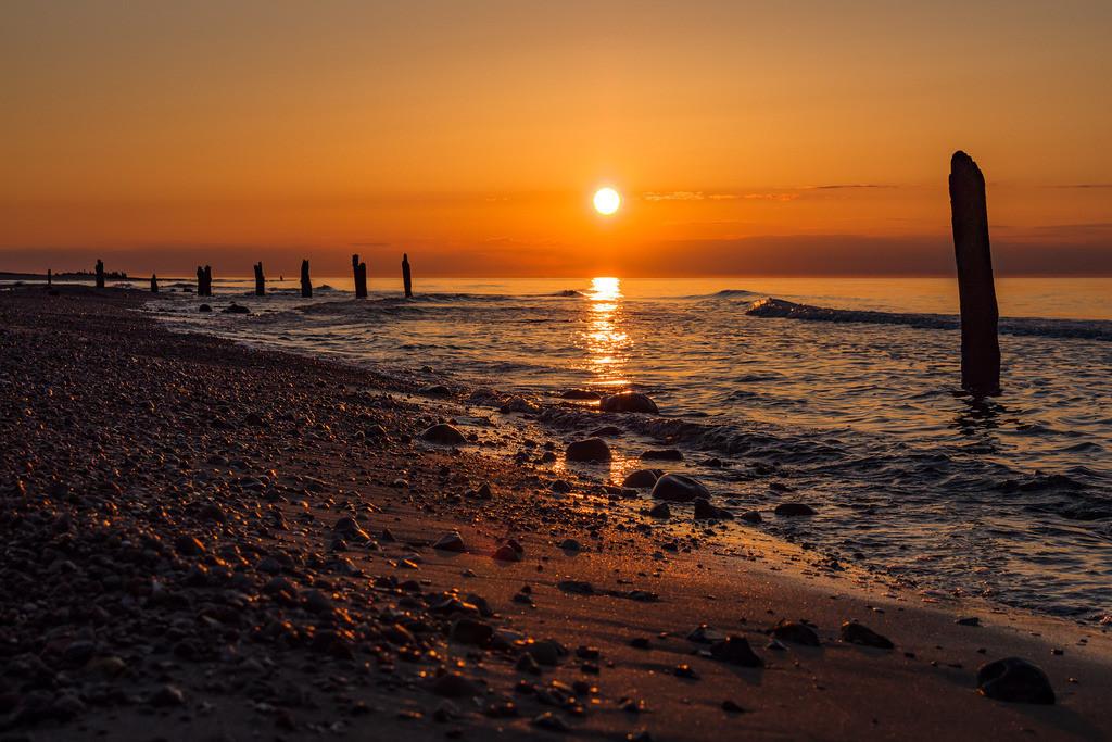 Buhnen an der Küste der Ostsee bei Kühlungsborn   Buhnen an der Küste der Ostsee bei Kühlungsborn.