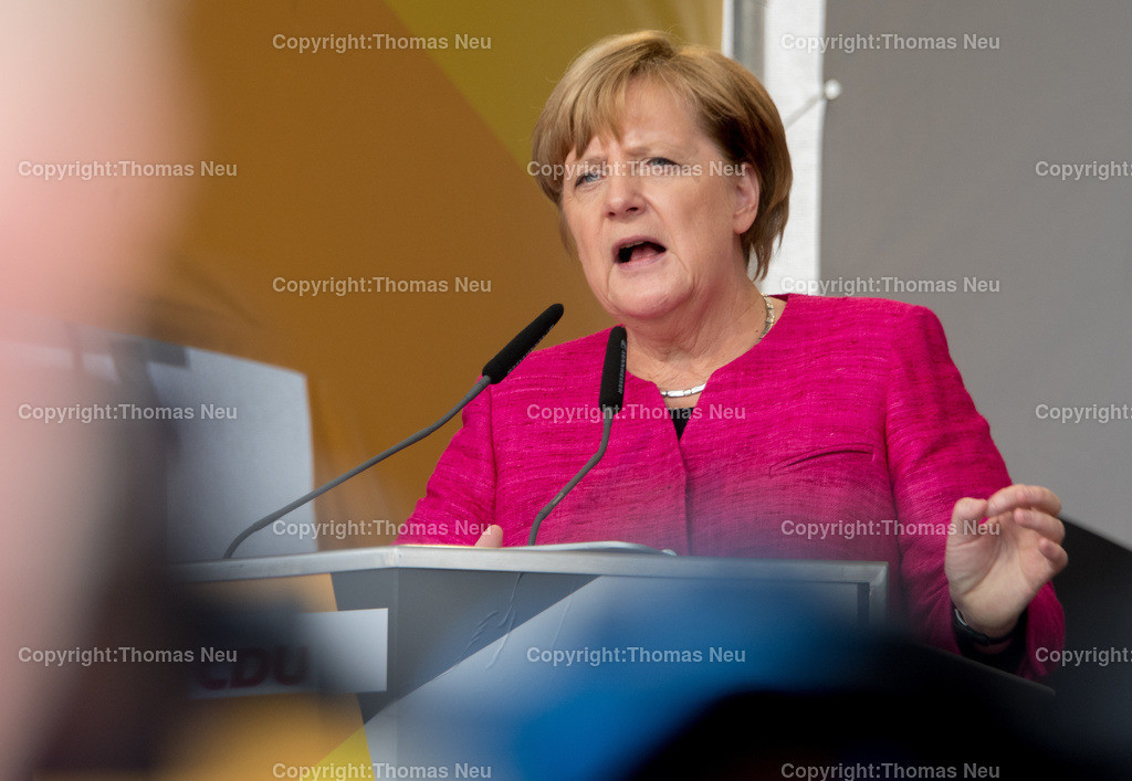 DSC_7857   Heppenheim, Wahlveranstaltung, CDU, Angela Merkel auf dem parkhof, , ,, Bild: Thomas Neu