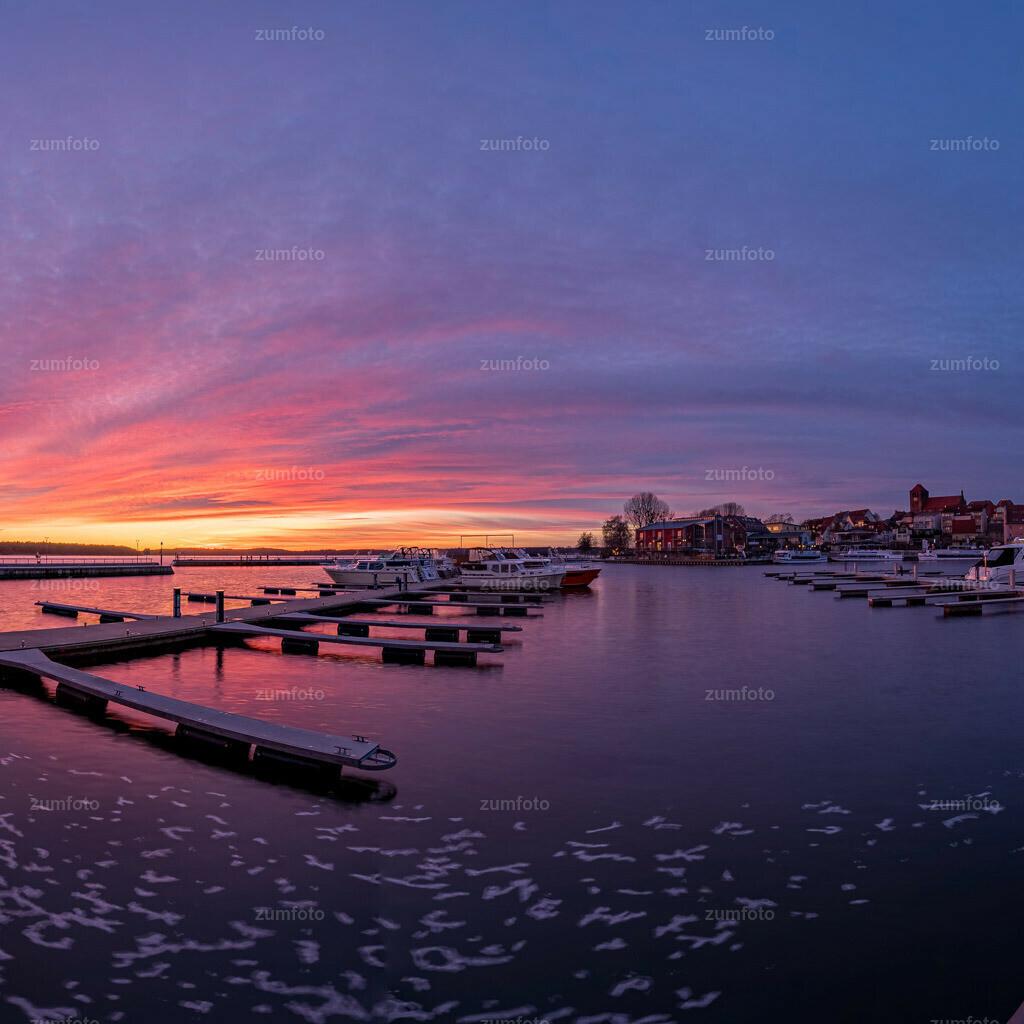 200205_1714-9590-HDR-Pano-3 | Wer von euch hat denn heute Abend auch den schönen Sonnenuntergang gesehen? Wünsche euch einen schönen Abend! Sonnenuntergang am Warener Stadthafen.