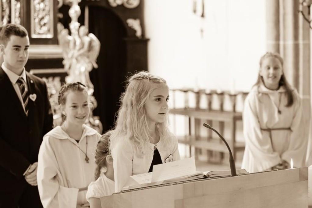 Carina_Florian zu Hause_Kirche WeSt-photographs01233