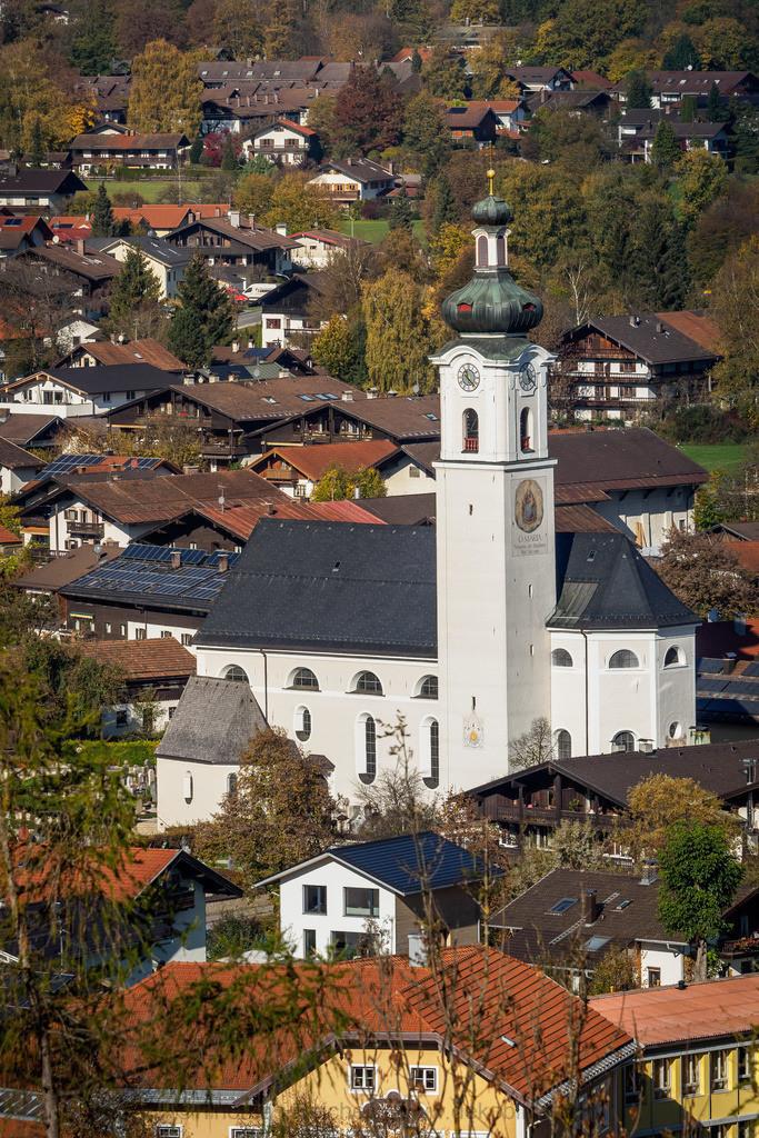 Oberaudorf Kirche | Die Oberaudorfer Kirche von der Auerburg aus