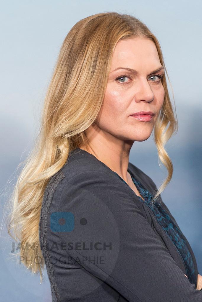 """Anna Loos   Anna Loos beim Fototermin in Hamburg am 5.11.2015: """"Die Stadt und die Macht"""