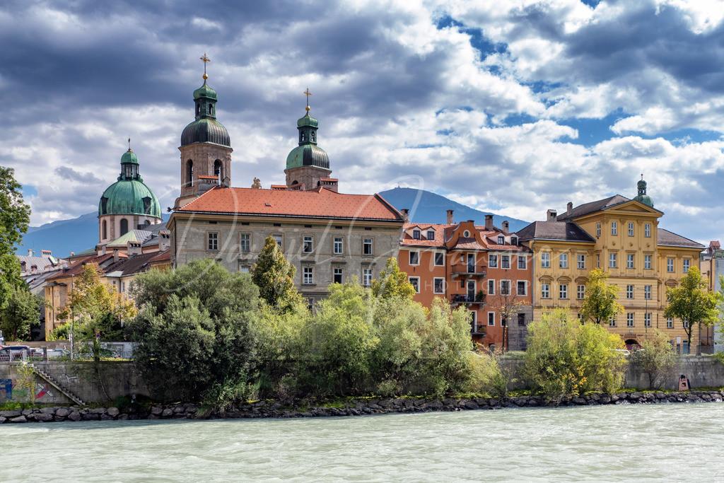 Innsbruck | Innsbrucker Altstadt am Inn mit Dom Sankt Jakob
