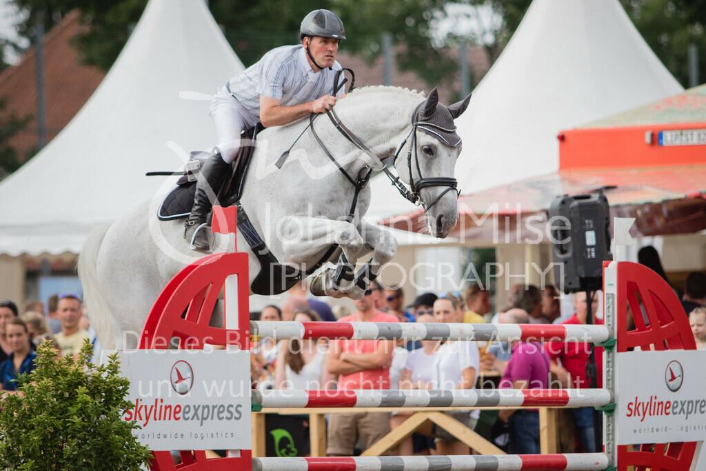 LC_Sonntag_S-Spr-30 | Lopshorn Classics 2018, Springprf. Kl.S* m.Siegerrunde, Preis der Firma Skyline express Ehrenpreis von Brennwerk OWL