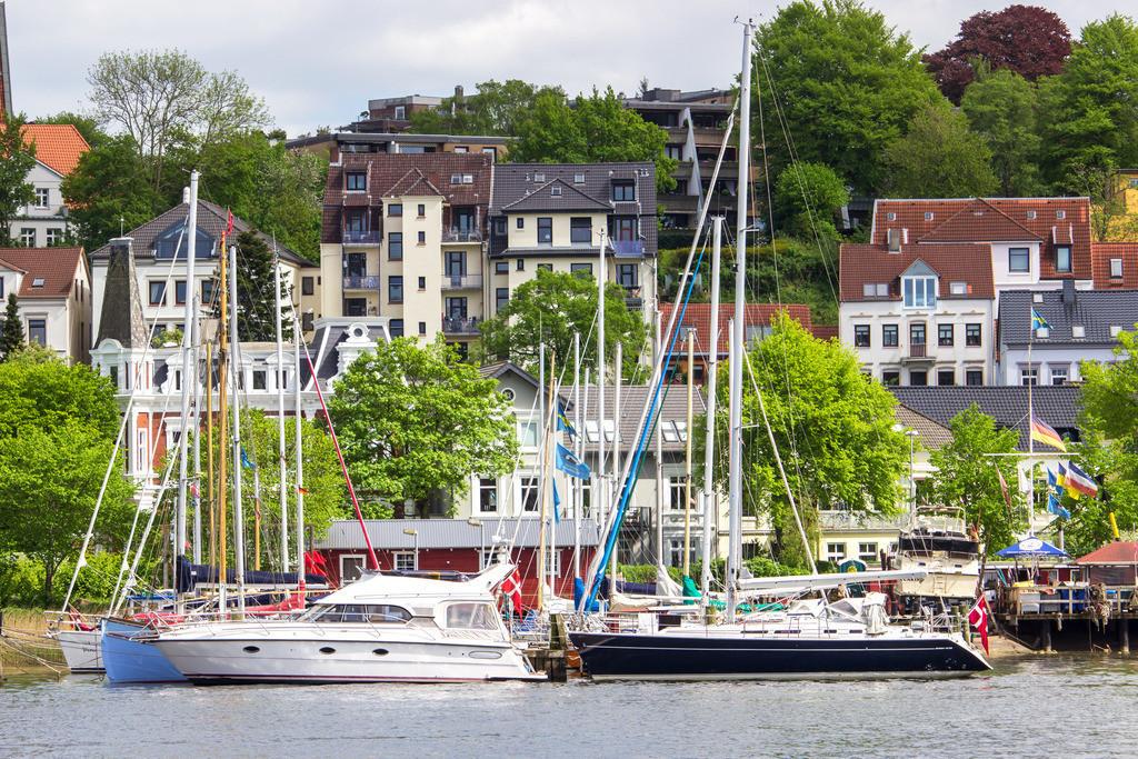 Flensburger Hafen   Flensburger Hafen im Frühling