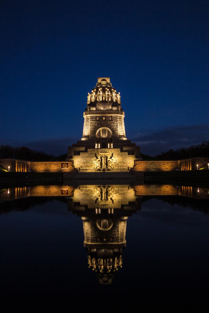 Völkerschlachtdenkmal Nachtlichter Daniel König Hochformat