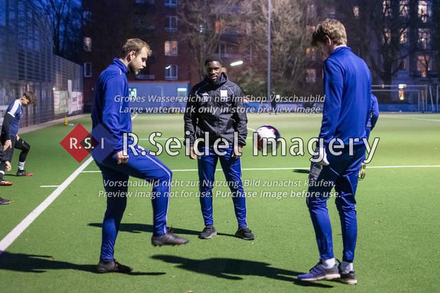 Nach Pandemie- und Winterpause darf der FC Teutonia 05 endlich das Training am Sportplatz Kreuzkirche wieder aufnehmen