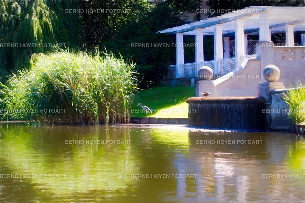 the heron | Fotografie am Berliner Lietzensee, Deutschland / Digitale Bildbearbeitung / der Ölmalerei nachempfunden / malerischer Effekt. | Photo at the lake Lietzensee in Berlin, Germany / Digital image editing / like painting in oil / picturesque effect.
