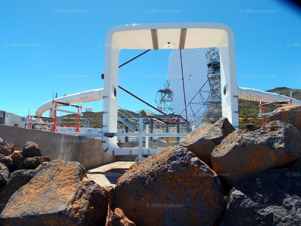 P6044091 | Während des Aufbaus