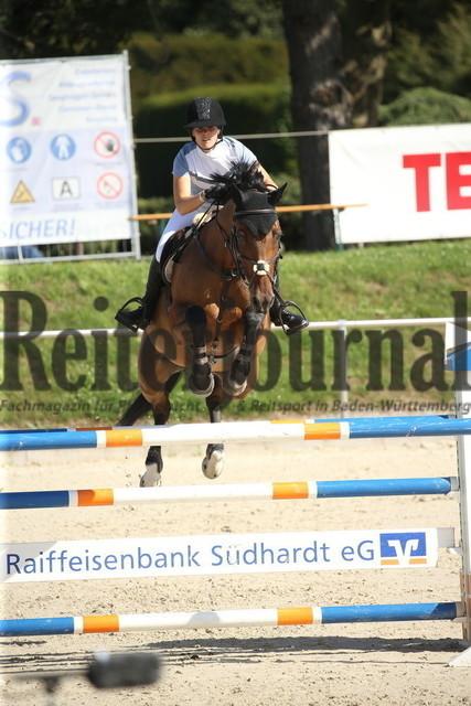 Durmersheim_2020_Amazonen-Springprfg_Kl.S_Lisa Schill-Huber_Chimney Sweep 3 (6)