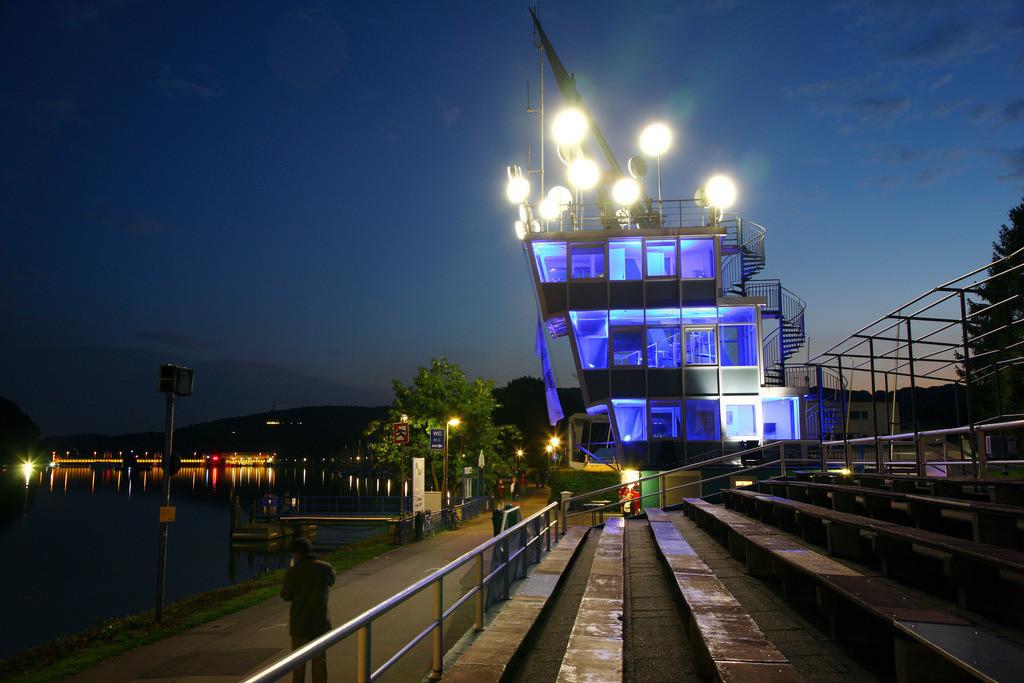 JT-100903-566 | Der Baldeneysee in Essen, Regattaturm,