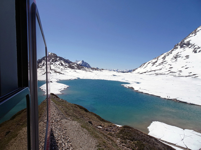Berninapass | Ein Blick auf den Lago Bianco.