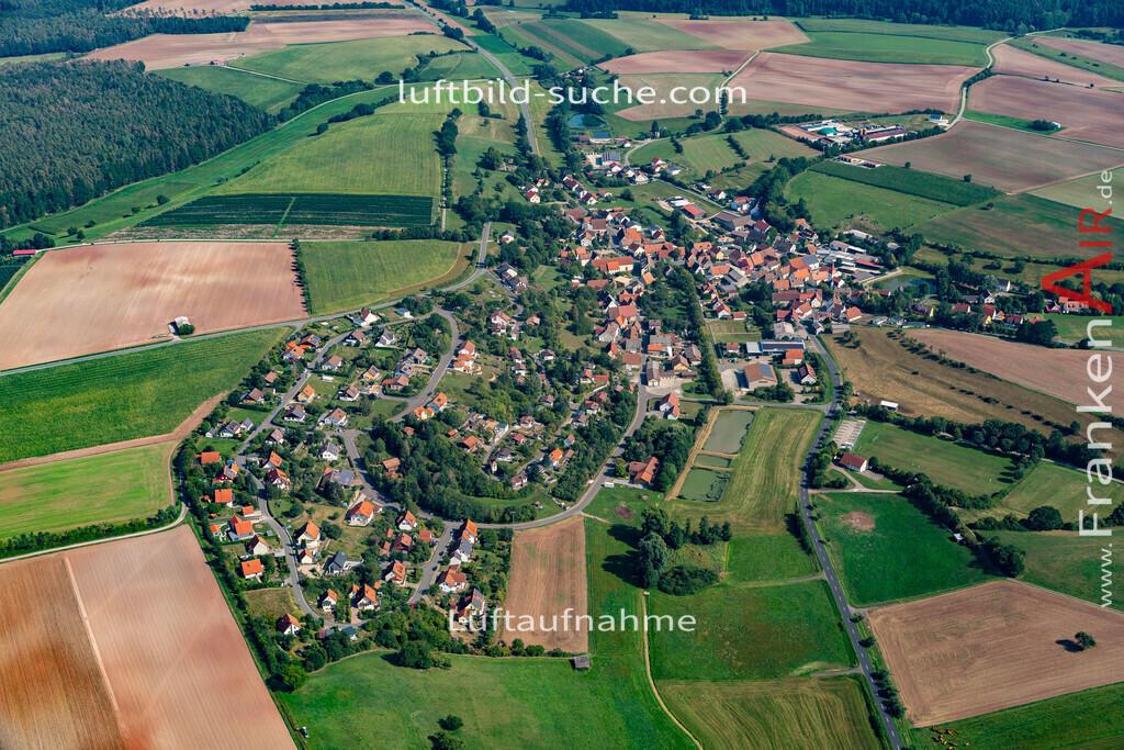 taschendorf-19-816 | aktuelles Luftbild von  Taschendorf - Luftaufnahme wurde 2019 von https://frankenair.de mittels Flugzeug (keine Drohne) erstellt.