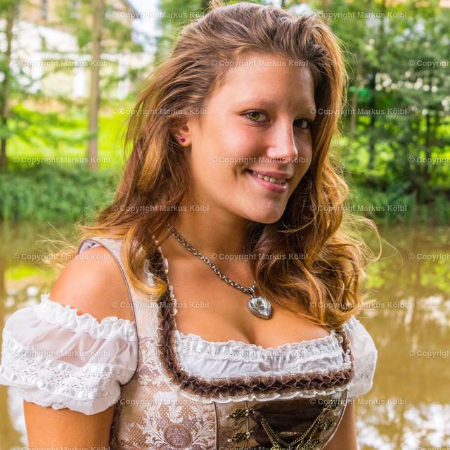 Laura_Dirndl-020