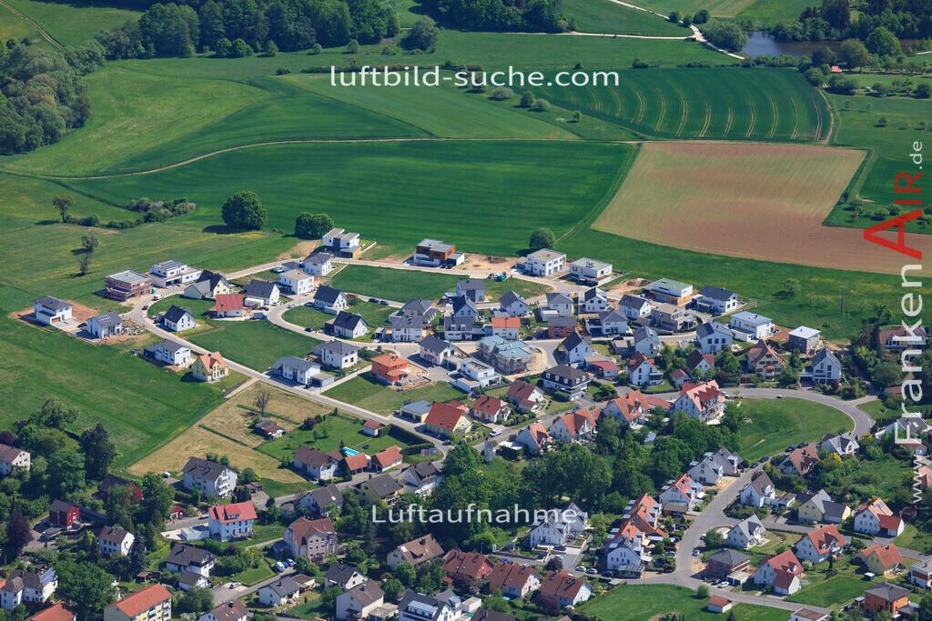 bischberg-18-343 | aktuelles Luftbild von  Bischberg - Luftaufnahme wurde 2018 von https://frankenair.de mittels Flugzeug (keine Drohne) erstellt.