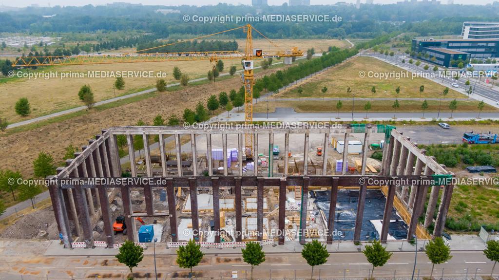 20190728-Luftbilder Phoenix Arcaden | 28.07.2019 in Dortmund (Nordrhein-Westfalen, Deutschland)  Mit den Phoenix Arcaden, einer ehemaligen Ziegelhalle, soll auf dem ehemaligen Stahlwerk auf dem Phoenix West Gelände mit einem Haus-in-Haus-Konzept ein fünfgeschossiges Bürogebäude im Mantel der historischen Halle entstehen. Bereits 2006 hatte ein Dortmunder Architekt die Immobilie erworben. Die Fertigstellung sei etwa 2020 zu erwarten.  Foto: Michael Printz / PHOTOZEPPELIN.COM