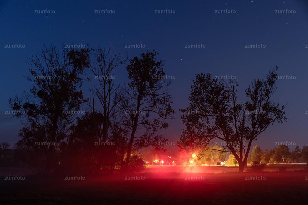 191015_1933-0876   Heute habe ich mal ein anderes Foto für euch. Ich war gestern mit @Bootsurlaube.de zu den Kranichen unterwegs. Danach ist mir der Nebel aufgefallen und ich konnte nicht anders und war noch bis nach Mitternacht mit der Kamera unterwegs.