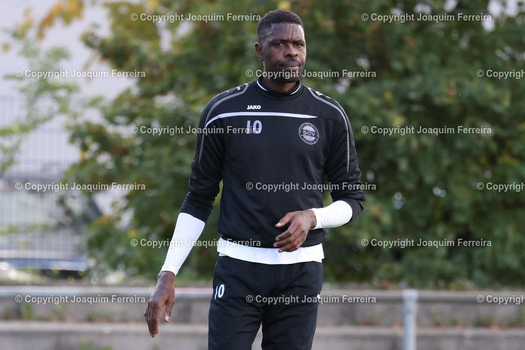 0551_3001 | 10.10.2020 Fussball Hessenliga SC Viktoria Griesheim - Hünfelder SV  v.l.,  Mohamadou