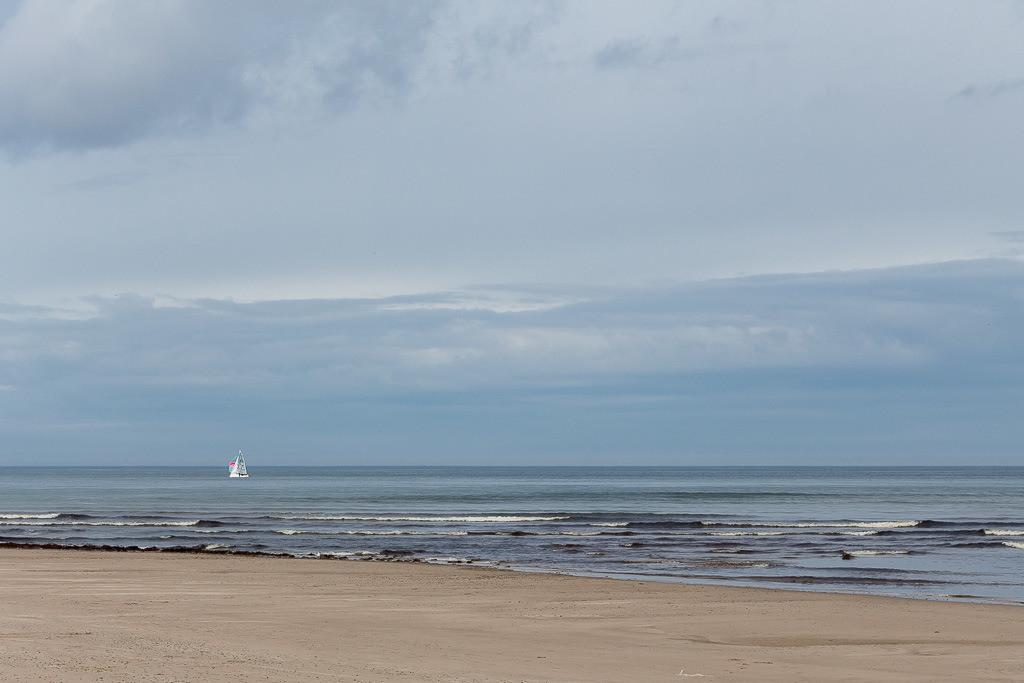 Segelschiff an der schottischen Küste