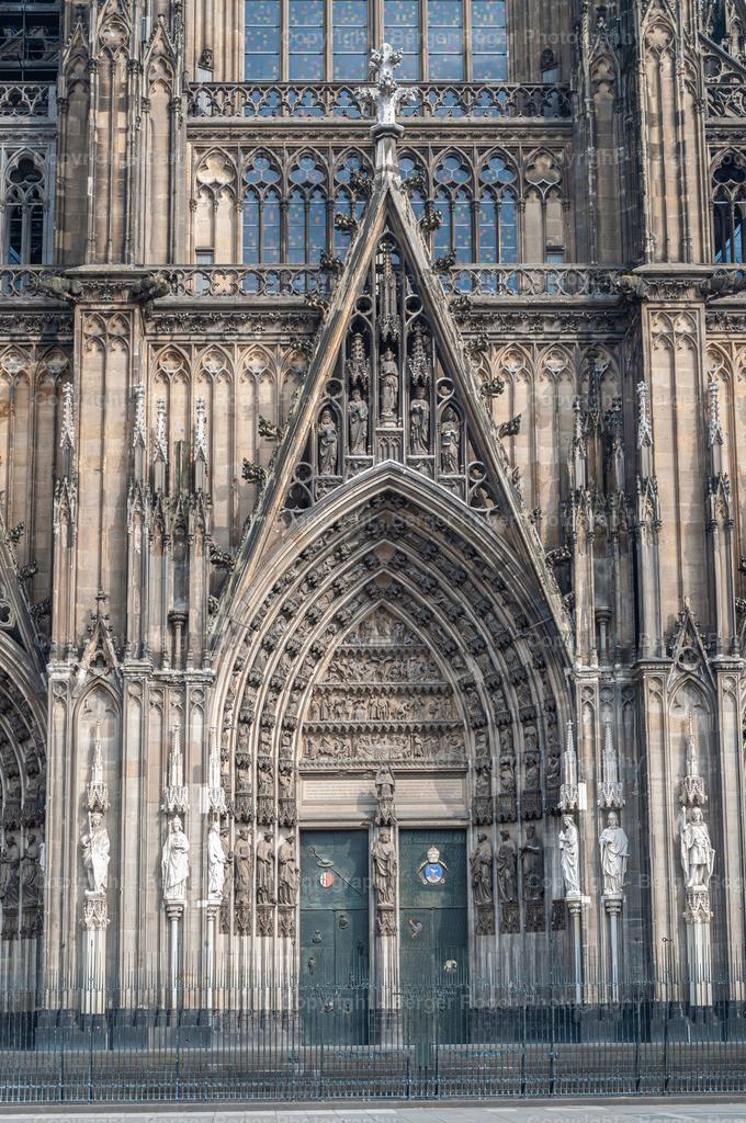 Detailaufnahme Kölner Dom   Bildmaterial für Fotografen, Webdesigner und Grafikdesigner zum weiterverarbeiten