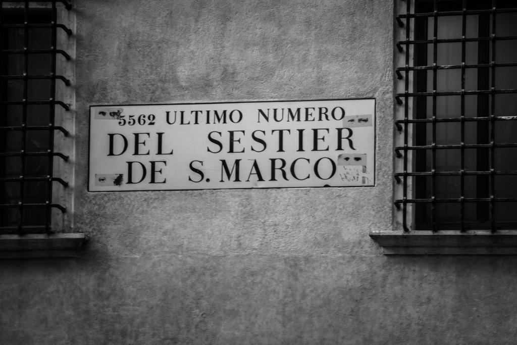 Venice-bnw-13