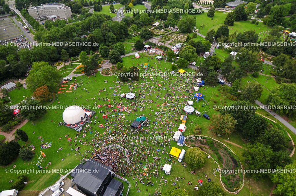 2009-08-01 LUFTBILDER JUICY BEATS | Samstag, 1. August 2009 - 18 Stunden war die Fotoballon-Crew auf dem Juicy Beats Festival im Dortmunder Westfalenpark im Einsatz, um für die Leser ungewöhnliche Perspektiven zu fotofgrafieren.  Foto: PHOTOZEPPELIN.COM / Michael Printz ABDRUCK HONORARPFLICHTIG