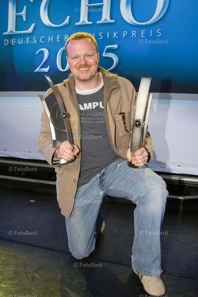 Echo 2005 | Echo 2005Im Estrel-Convention Center ehrte die Deutsche Phono-Akademie bereits die ersten Echo-Preistr‰ger des Jahres.Stefan Raab erhielt den Echo als Musikproduzent und als Medienpartner des Jahres