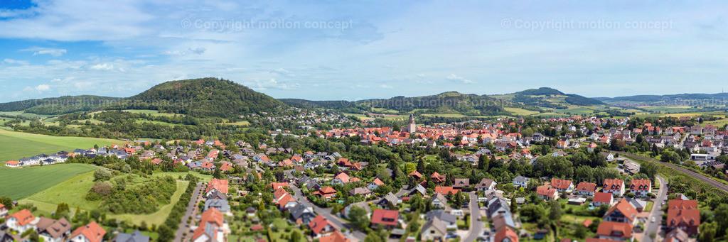 Panorama Zierenberg vom Schlag_3zu1