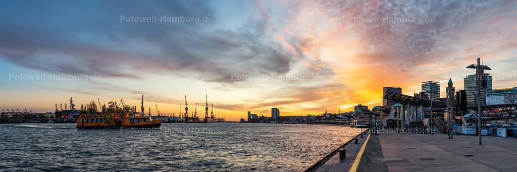 10200409 - Panorama Sonnenuntergang an den Landungsbrücken | Stimmungsvoller Sonnenuntergang an den Landungsbrücken im Panoramaformat.
