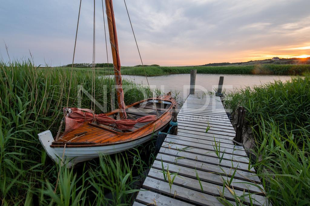 Fischerboot am Ringköbing-Fjord | Sonnenuntergang im Norden Dänemarks