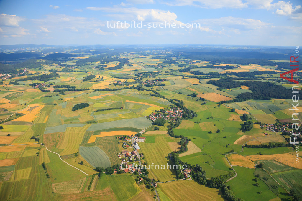 unterzettlitz-kulmbach-2014-82   Luftbild von Unterzettlitz Kulmbach - Luftaufnahme wurde 2014 von https://frankenair.de mittels Flugzeug (keine Drohne) erstellt - die Geschenkidee