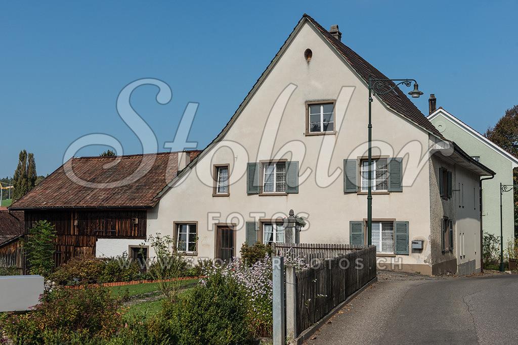 Wohnhaus, Arisdorf (BL) | Wohnhaus mit Satteldach, Arisdorf im Kanton Baselland.