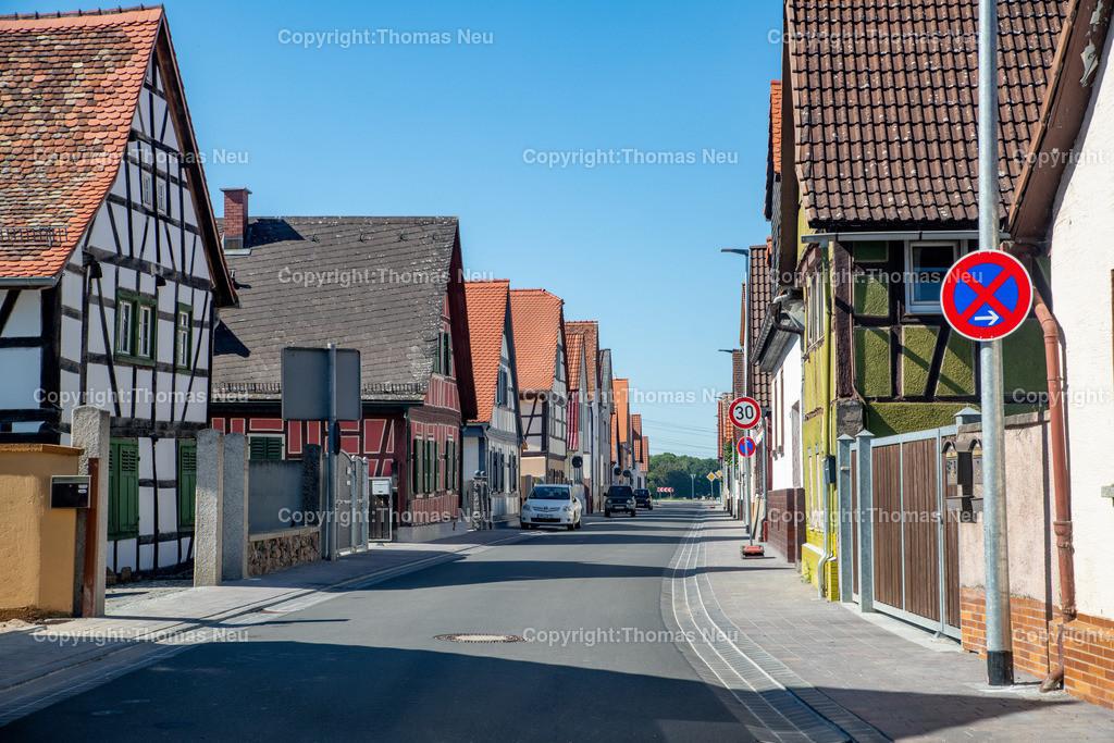DSC_9971   Bensheim,bbe,Stadtteil Schwanheim, Blick von Ost nach West Rohrheimer Straße,  ,, Bild: Thomas Neu