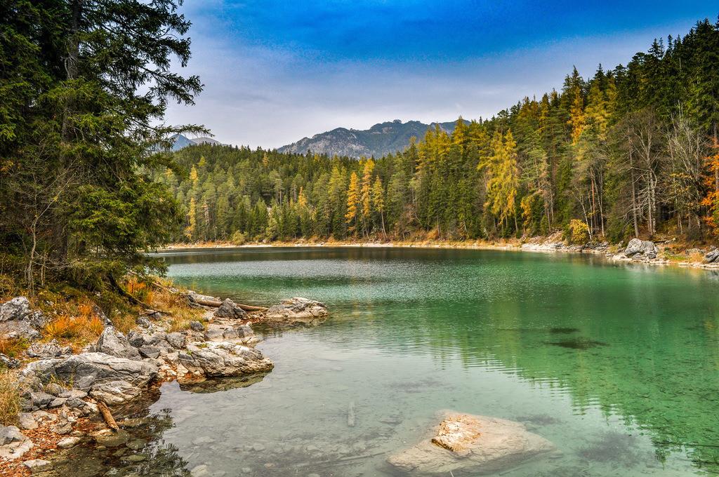 Herbststimmung am Eibsee  | Naturidyll zum Erholen