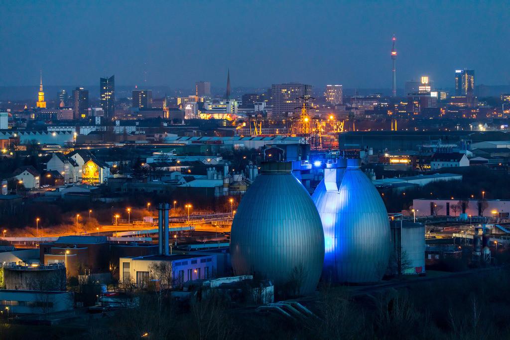 JT-180313-041 | Stadtpanorama von Dortmund, Innenstadt, Fernsehturm Florian, Dortmunder-U, Faultürme der Emscher Kläranlage Dortmund Deusen,